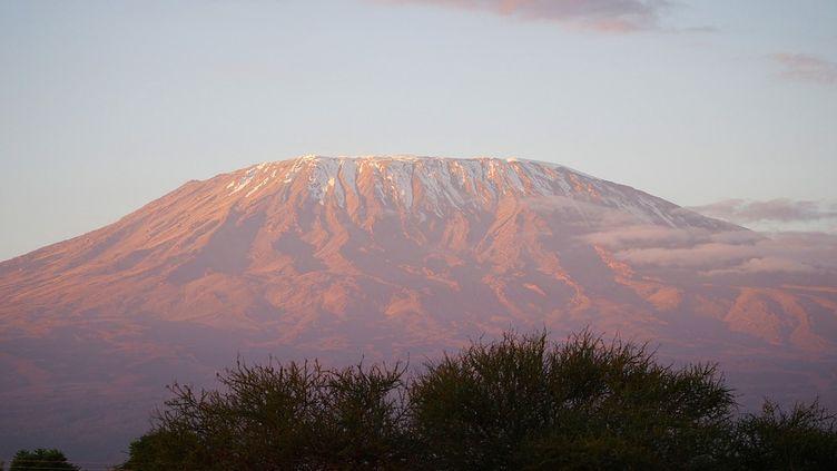 Le Kilimandjaro culmine à presque 6000 mètres. (Pixabay)