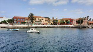 L'île de Gorée est située à trois kilomètres au large de Dakar (Sénégal). (OMAR OUAHMANE / RADIO FRANCE)