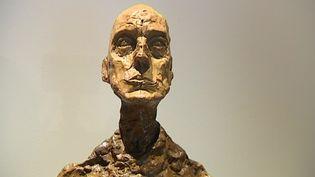 """Jusqu'au 15 octobre 2017, la nouvelle galerie Lympia de Nice accueille l'expostion """"Giacometti - L'ultime œuvre"""". Une rétrospective de ses cinq dernières années de création en cinquante œuvres  (Culturebox / Capture d'écran)"""