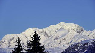 Le Mont-Blanc avec vue sur le domaine skiable des Contamines-Montjoie (Haute-Savoie). (TRIPELON-JARRY  / ONLY FRANCE / AFP)
