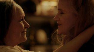 "Barbara Sukowa et Martine Chevallier dans ""Deux"" deFilippo Meneghetti. (Copyright Paprika Films)"