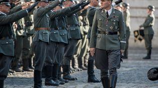 Reinhardt Heydrich personnage majeur ayant participé à la solution finale est incarné par l'Australien Jason Clarks. (BRUNO CALVO / Mars Films)