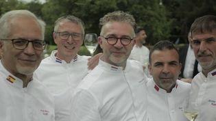 Gastronomie et diplomatie : le rendez-vous des chefs cuisiniers des chefs d'État. (FRANCE 2)