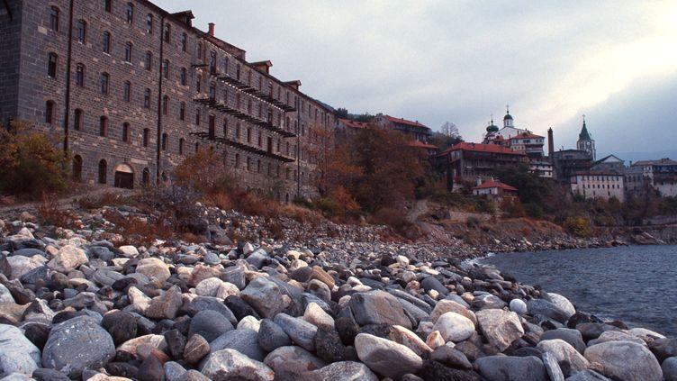 (© Maxppp Monastère sur le Mont Athos)