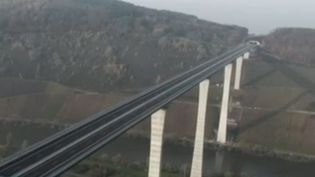 Pont (FRANCEINFO)