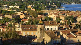Vue des toits de Saint-Tropez (Var). (MOIRENC CAMILLE / HEMIS.FR / AFP)