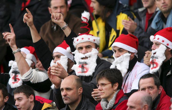 Des supporters du Stade Toulousain lors d'un match Toulouse-Newport, le 6 décembre 2008. (XAVIER DE FENOYL / MAXPPP)