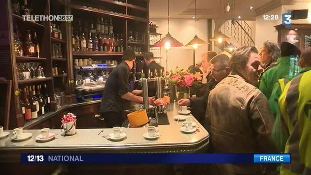 """Attentats de Paris : le café """"A la Bonne Bière"""" rouvre ses portes"""