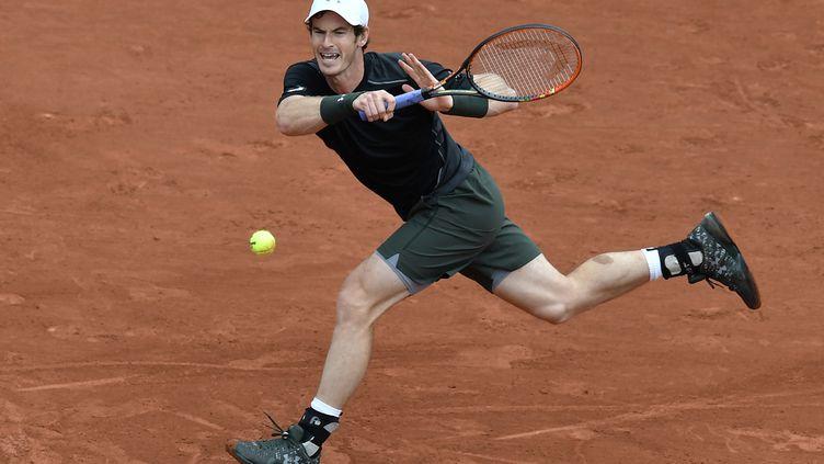 L'Ecossais Andy Murray en défense (PHILIPPE LOPEZ / AFP)