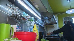Restauration : ces chefs amateurs qui remplacent les cantines d'entreprises (France 2)