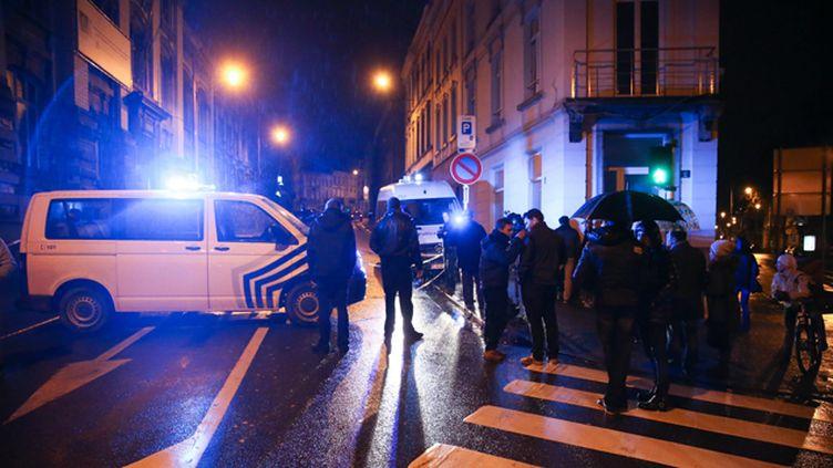 (Des munitions, des explosifs et des uniformes de policiers belges ont été retrouvés au domicile des djihadistes, à Verviers © MAXPPP)