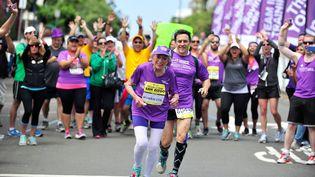 Harriette Thompson, 92 ans, termine le marathon de San Diego (Etats-Unis), le 31 mai 2015. (JEROD HARRIS / GETTY IMAGES NORTH AMERICA / AFP)