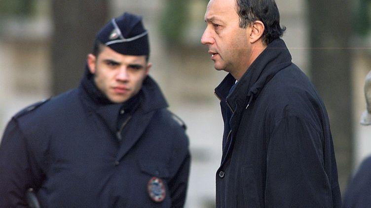 L'ancien Premier ministre Laurent Fabius a comparu en 1999 devant la Cour de justice de la République, qui l'a relaxé dans l'affaire du sang contaminé. (ERIC CABANIS / AFP)