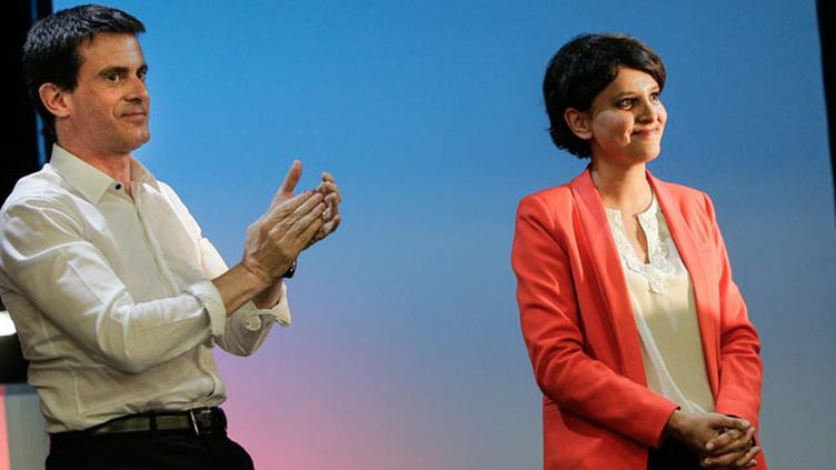 (Manuel Valls a fait applaudir Najat Vallaud-Belkacem © MAXPPP)