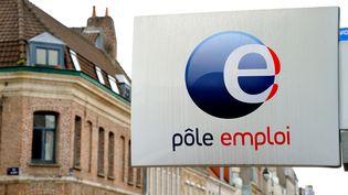 Une agence Pôle emploi de Lille (Nord), le 4 juin 2013. (PHILIPPE HUGUEN / AFP)
