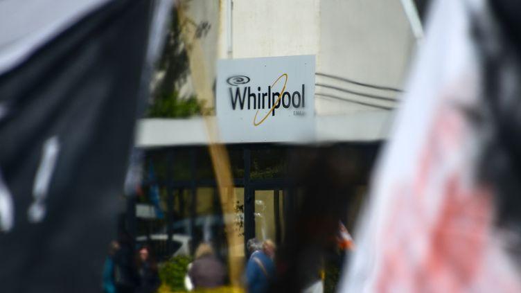 L'entrée de l'usine Whirlpool d'Amiens, le 25 avril 2017. (DENIS CHARLET / AFP)