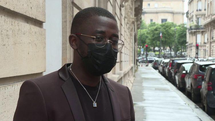Paris : un homme victime d'insultes racistes et empêché d'entrer dans un appartement loué (FRANCE 3)