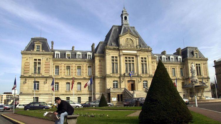 La mairie d'Evreux (Eure), le 6 mai 2001. (MEHDI FEDOUACH / AFP)