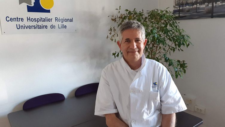 Le professeur François-René Pruvot, président de la Conférence des présidents de commissions médicales d'établissement de centres hospitaliers universitaires (CHU), le 30 mars 2021. (CÉCILE BIDAULT / FRANCE-BLEU NORD)