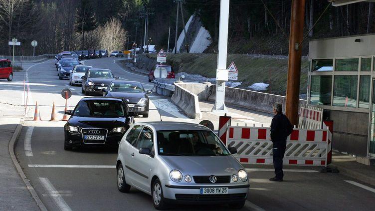 Le poste-frontière du col des Roches, à Villers-le-Lac, entre la France et la Suisse. (MAXPPP)