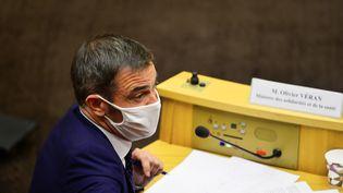 Le ministre de la Santé Olivier Véran lors de son audition par la commission d'enquête sur la gestion de l'épidémie de Covid-19 au Sénat, le 24 septembre 2020. (DANIEL PIER / NURPHOTO / AFP)