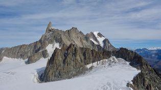 La Dent du Géant, dans le massif du Mont-Blanc. (LIONEL CARIOU / RADIO FRANCE)