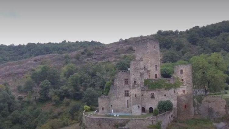 Le château de Belcastel dans l'Aveyron (FRANCE 3)