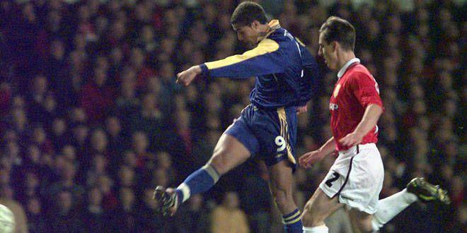 David Trezeguet a envoyé un boulet de canon lors du quart de finale contre Manchester United
