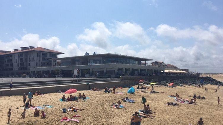 À Capbreton dans les Landes, la plage retrouve ses baigneurs. (BENJAMIN MATHIEU / FRANCEINFO / RADIO FRANCE)