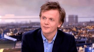 Alex Lutz invité du 20h de France 2 le 13 février 2016  (France 2)