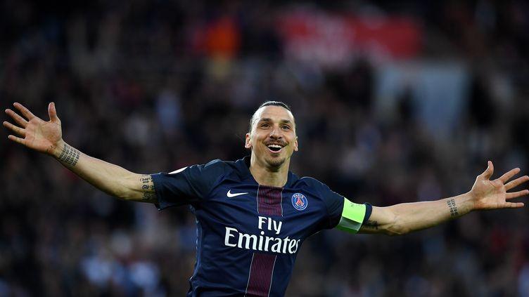 Zlatan Ibrahimovic lors du match PSG-Nantes au Parc des Princes, à Paris, le 14 mai 2016. (FRANCK FIFE / AFP)