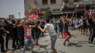 Des manifestants à Tunis, le 25 juillet 2021. (CHEDLY BEN IBRAHIM / NURPHOTO)