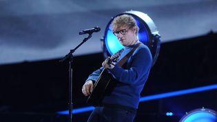 "Le chanteur Ed Sheeran jouant lors du ""Elton John : I'm Still Standing"" à New York (2018). (BRAD BARKET / GETTY IMAGES NORTH AMERICA)"