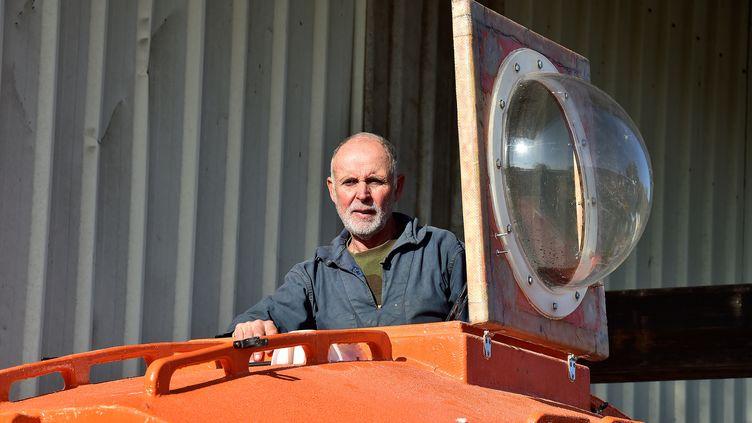 """Jean-Jacques Savina traversé l'Atlantique en 122 jours à bord d'un """"tonneau"""". (GEORGES GOBET / AFP)"""