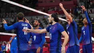Les Français se sont imposés en finale olympique de volleyball face au Comité olympique russe, samedi 7 août 2021. (VLADIMIR PESNYA / SPUTNIK)
