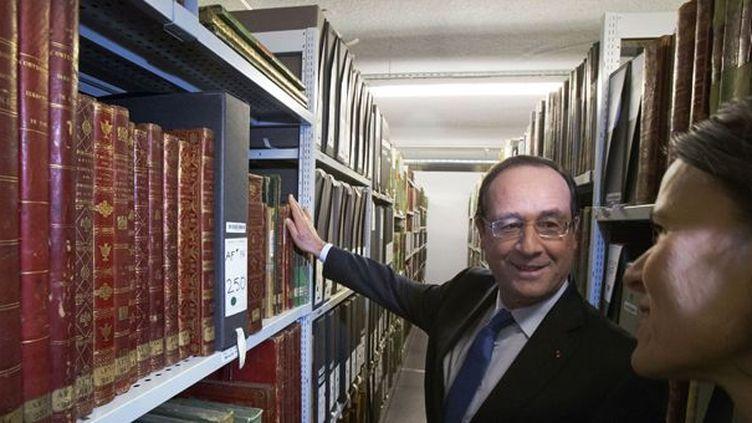 François Hollande inaugure le nouveau site des Archives Nationales dePierrefitte-sur-Seine en compagnie de la ministre de la Culture Aurélie Filippetti.  (Michel Euler / AFP)