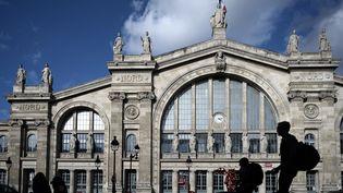La façade de la gare du Nord, à Paris, en octobre 2019. (PHILIPPE LOPEZ / AFP)