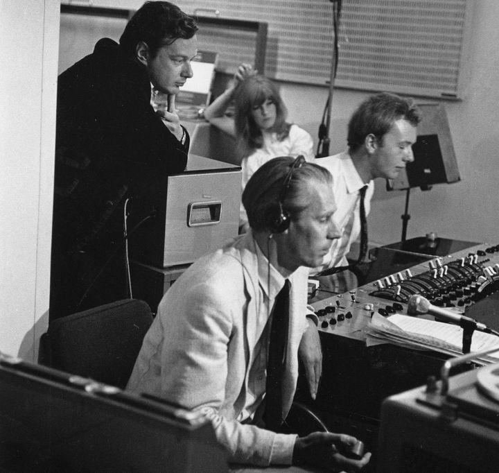 le manager Brian Epstein, le producteur George Martin, et l'ingénieur du son Geoff Emerick  (D.Magnus/SIPA)