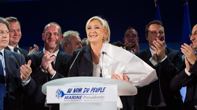 Marine Le Pen s'adresse à ses supporters au soir du premier tour de la présidentielle, le 23 avril 2017. (RAPHAEL LAFARGUE / ANADOLU AGENCY / AFP)