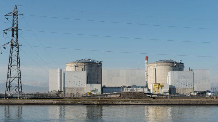 La centrale nucléaire de Fessenheim (Haut-Rhin), le 8 décembre 2015. (PATRICK SEEGER / DPA / AFP)