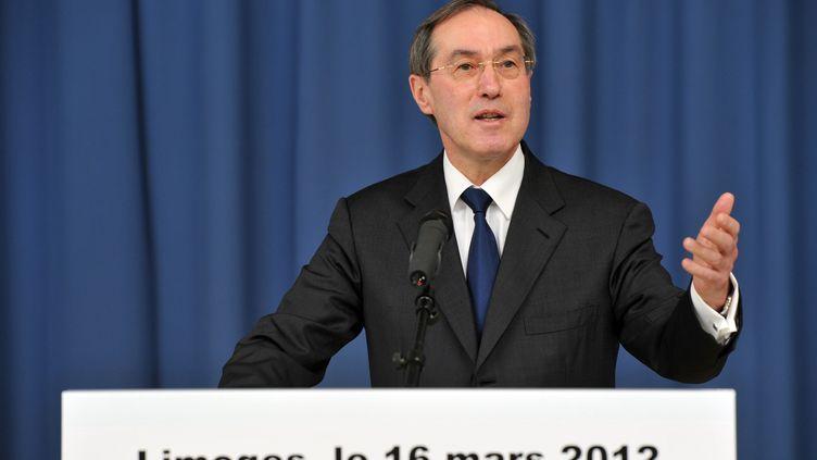 Le ministre de l'Intérieur, Claude Guéant, lors d'un discours à Limoges (Haute-Vienne), le 16 mars 2012. (PASCAL LACHENAUD / AFP)