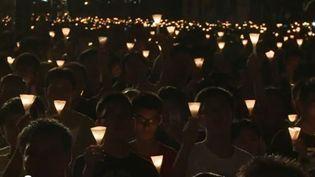 Des milliers de Hongkongais se sont retrouvés dans le parc Victoria, le 4 juin 2012, en souvenir du massacre de Tiananmen. (AFP)
