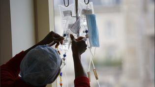 Chimiothérapie en service de cancérologie. Illustration. (LUC NOBOUT / MAXPPP)