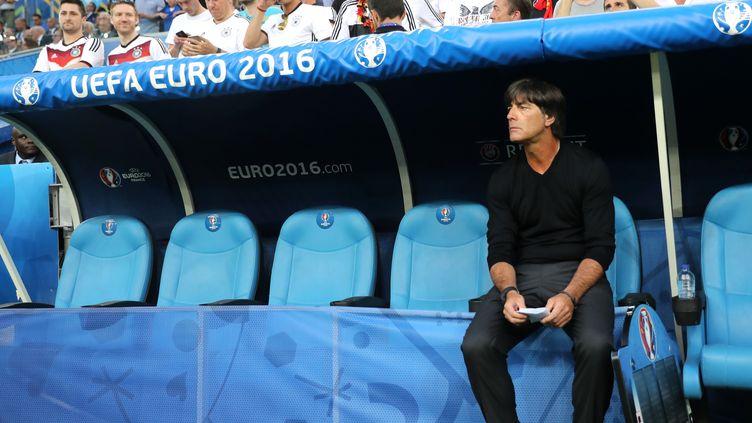 Le sélectionneur de l'équipe nationale d'Allemagne, Joachim Löw, pendant la demi-finale contre la France au stade Vélodrome, à Marseille, le 7 juillet 2016. (METIN PALA / AFP)