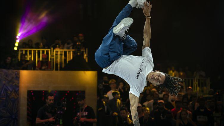 Le breakdanceur brésilienMateus de Sousa Melo aka Bart, en 2019 en Inde. (LIONEL BONAVENTURE / AFP)