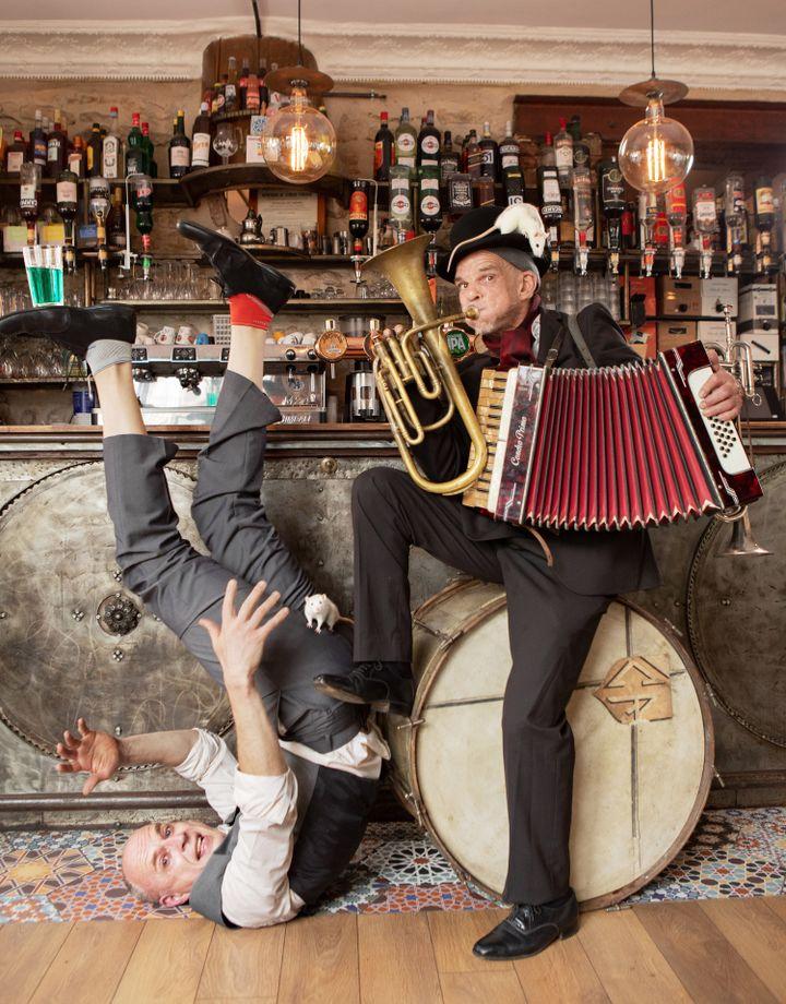 """Denis Lavant et Nikolaus Holz dans """"Mister Tambourine Man"""" (Nigentz Gumuschian)"""