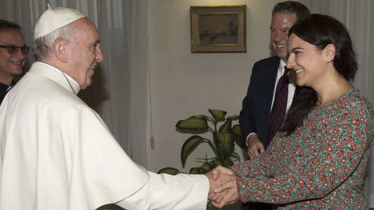 Paloma Garcia Ovejero prendra ses fonctions de vice-directrice du Bureau de presse du Vatican, aux côtés de Greg Burke qui passe numéro un, le 1er août 2016. (OSSERVATORE ROMANO / AFP)