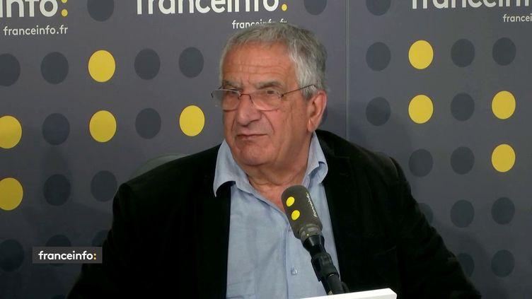 Xavier Emmanuelli veut créer une ligne d'écoute pour répondre aux angoisses et aux questions des Français pendant l'épidémie de Covid-19 (FRANCEINFO)