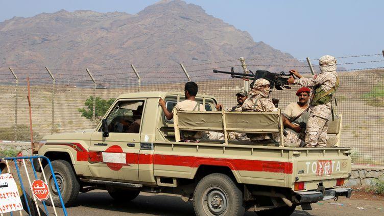 Les forces de sécurité séparatistes patrouillent à Aden, dans le sud du Yemen, le 10 décembre 2019. (FAWAZ SALMAN / REUTERS)