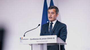 Gérald Darmanin, le ministre de l'Intérieur, lors d'une conférence de presse, à Paris, le 22 avril 2021. (CHRISTOPHE MICHEL / HANS LUCAS / AFP)